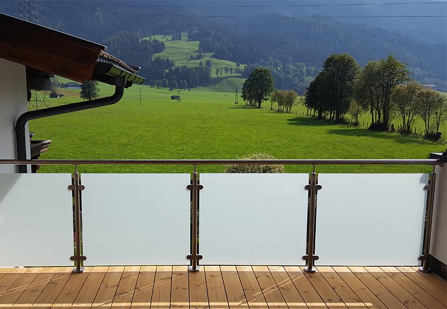 Bekannt Sichtschutz für Balkon und Terassen. Milchiges oder getöntes Glas HE36