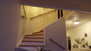Eiche mit natürlichem Abschluss, Treppenhandlauf, Handlauf für die Treppe