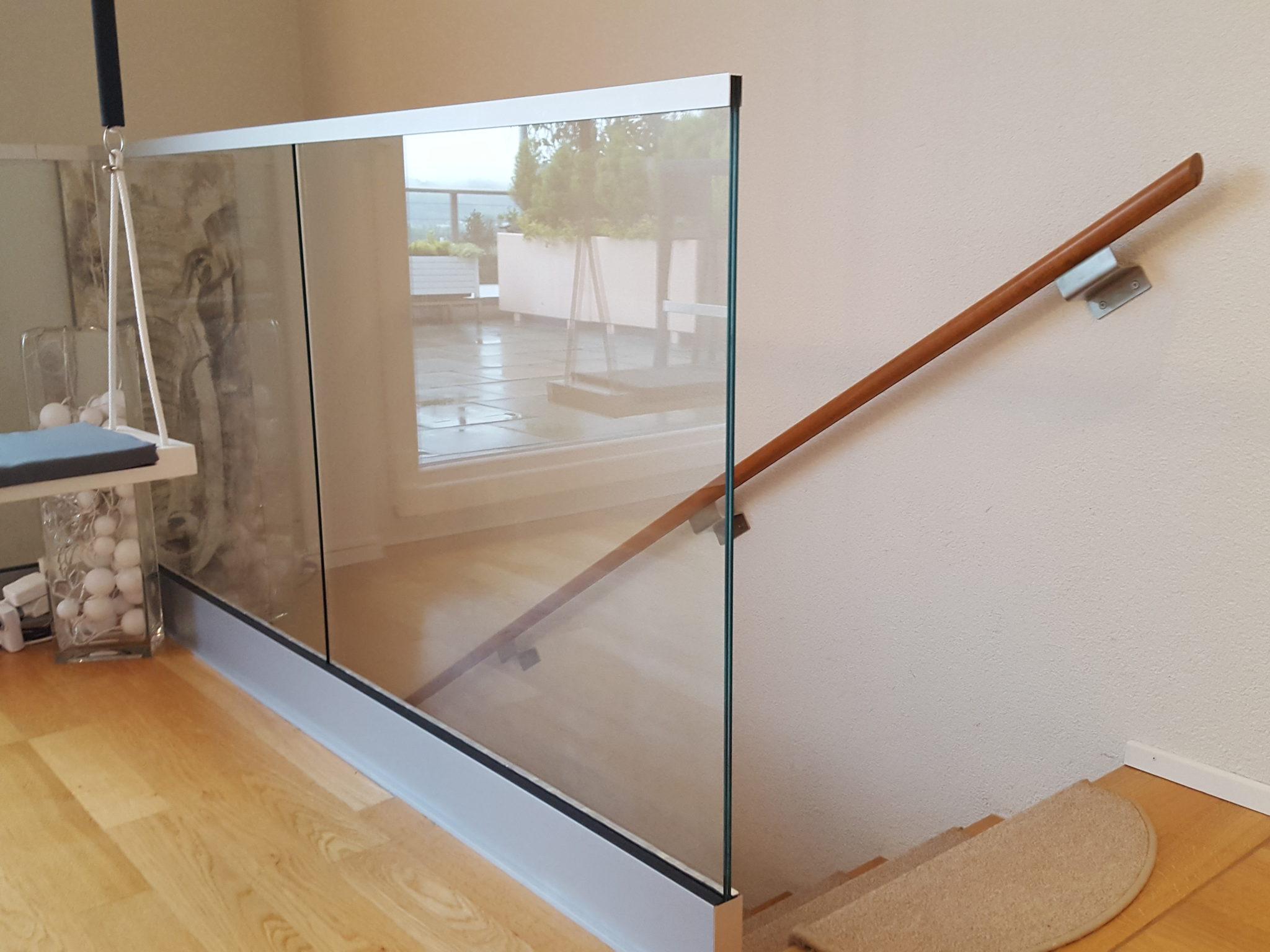 glasgel nder im innenraum ma gefertigt f r sie. Black Bedroom Furniture Sets. Home Design Ideas