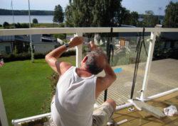 Montage des Geländers, selber montieren, Glasgeländer, Terrasse