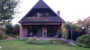 Vorher: Holzgeländer mit Dachschräge